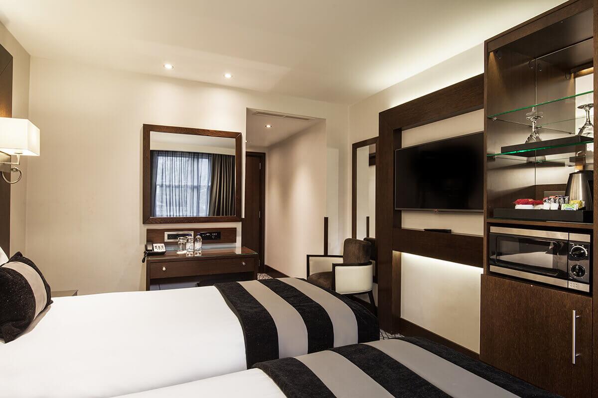Grand Paddington Court Hotel London